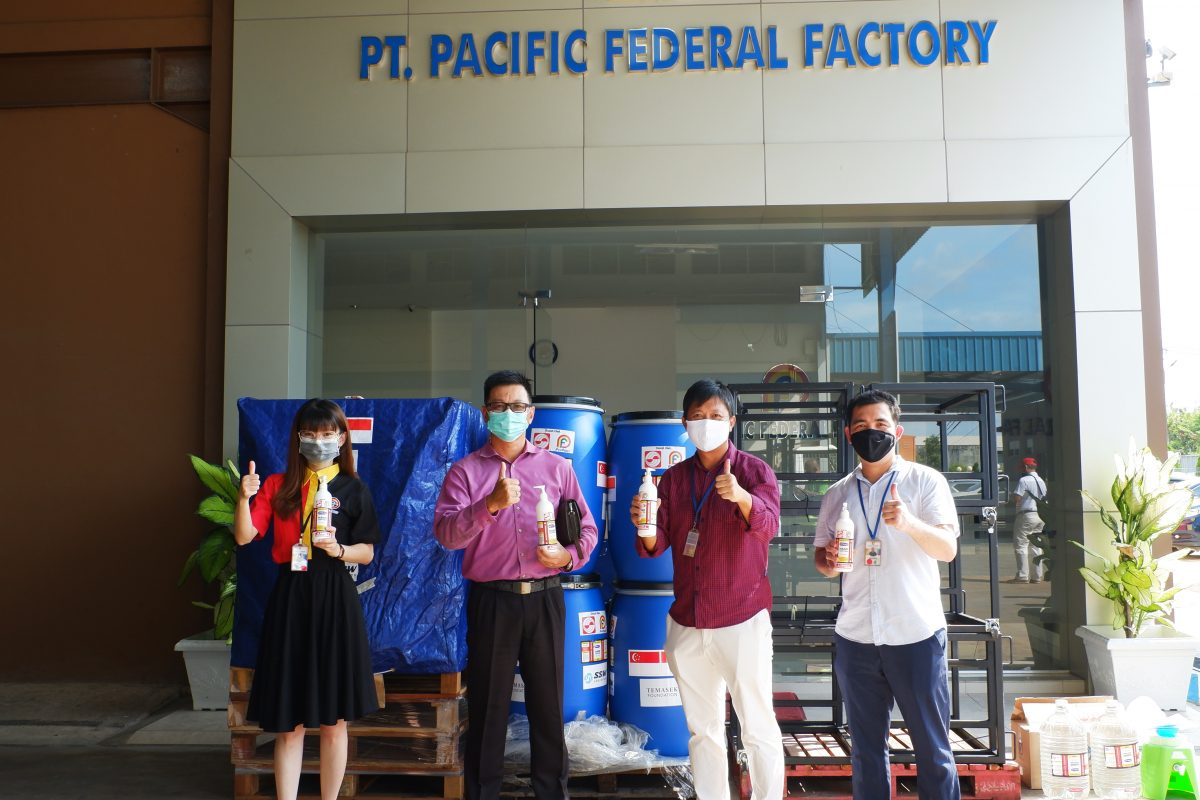 PFF PAINT & SINAS MAS Bantu PEMKO Batam Distribusikan Hand Sanitizer Bantuan Dari Singapore